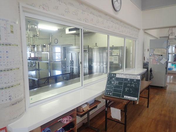 石巻支援学校食堂1